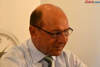 Basescu nu rateaza noul scandal: Plagiatorul mincinos este si ticalos. Ponta, vezi ca mortul este in familia ta (Video)