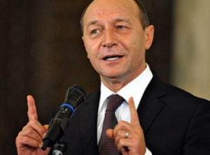 Basescu nu renunta la legea reorganizarii administrative