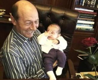 Basescu nu si-a adus nepotica la serviciu: Nu poti sa aduci pe cineva cu mintea lui Crin la Cotroceni