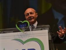 Basescu nu-si poate inregistra partidul: Ne lamureste cum procedeaza la alegeri