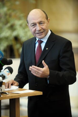 Basescu pleaca la Bruxelles - summit european si reuniune PPE