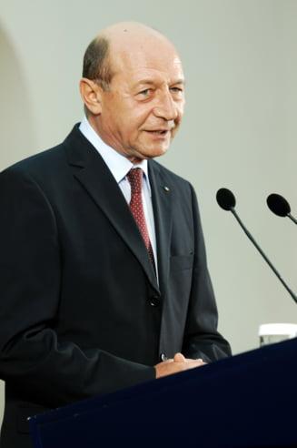 Basescu respinge propunerile pentru Buget si Cultura si cere mentinerea pactului de coabitare