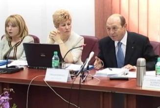 Basescu revine cu atacul la presa: Unele trusturi media, amenintare la securitatea nationala (Video)
