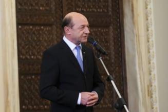 Basescu revine in forta cand afara ninge (Opinii)