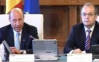 Basescu s-a consultat cu Opozitia si Guvernul - concluzii neclare, contre si amenintari