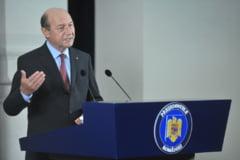 Basescu s-a gandit la demisie. Isi va apara fratele dupa terminarea mandatului