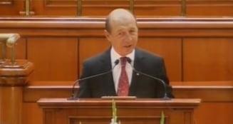 Basescu se apara in Parlament: L-ati salvat pe Voiculescu. Nu stiu daca veti mai reusi (Video)