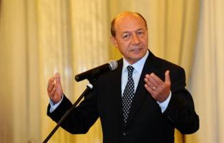 Basescu se ia de jurnalisti: Se poarta ca delatorii, nu am pledat pentru neanchetare