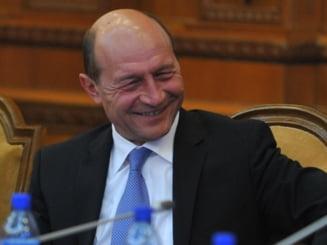 Basescu se intalneste joi cu fanii de pe Facebook