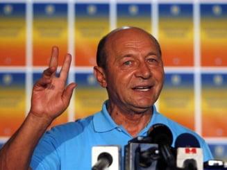 Basescu se intoarce la Cotroceni - presa externa