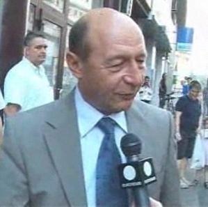 Basescu sfatuieste romanii sa nu sustina lovitura de stat pregatita de USL - Euronews