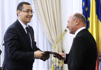 Basescu si Ponta, acelasi regim: aplauze si huiduieli (Video)