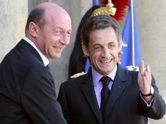 Basescu si Sarkozy vor avea o conversatie telefonica vineri dupa-amiaza