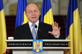 Basescu si-a dat foc la valiza cu Arafat (Opinii)