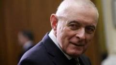 """Basescu si-a facut degeaba """"mea culpa"""": CEC nu are de ce sa rezilieze creditul Ioanei Basescu"""