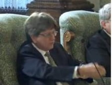Basescu spre delegatia FMI: Reformele structurale vor fi reluate dupa alegeri