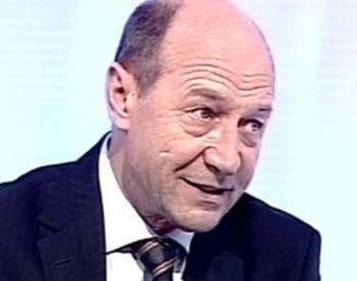 Basescu spune bancuri: In 2012, mare act de curaj va fi sa spui ca esti pedelist
