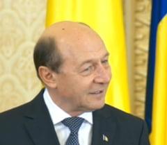 Basescu spune ca mandatul lui Iohannis nu se poate intrerupe, indiferent de verdictul in procesul cu ANI