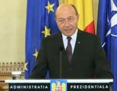 Basescu spune ca nu e dictator, dar mai face si gafe