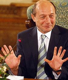 Basescu sustine ca nu cunoaste cazul invatatoarei care face greva foamei de doua luni