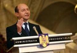 Basescu vrea Guvern pana la alegeri si continua negocierile