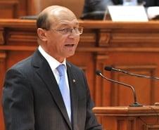 Basescu vrea sa se adreseze Parlamentului