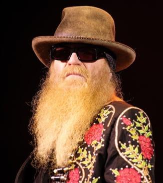 Basistul formației ZZ Top a murit. Dusty Hill avea 72 de ani