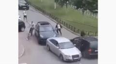 Bataie cu bate, in plina strada, dupa un incident in trafic petrecut in Ialomita