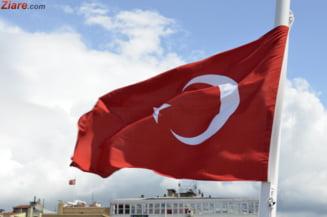 Bataie cu pumnii in Parlamentul Turciei (Video)