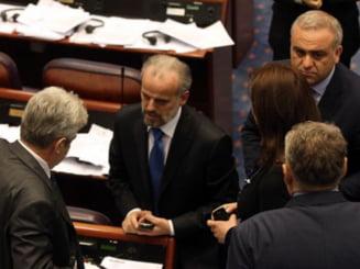 Bataie in Parlamentul Macedoniei. Politicienii si-au impartit pumni si picioare (Video)