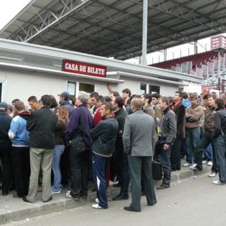 Bataie pe bilete la meciul CFR Cluj - Steaua