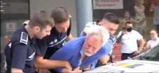 Batran arestat la Kaufland, dupa ce a refuzat termoscanarea - VIDEO