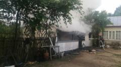 Batrana cu arsuri, in urma unui incendiu puternic la o casa din comuna Barasti