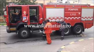 Batrana in stare grava scoasa de pompieri din casa dupa ce nepotul de la Bistrita a sunat la 112