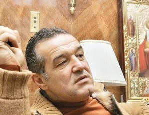 "Becali: ""Cumpar inca 6-7 jucatori, tot ce e bun in fotbalul romanesc"""