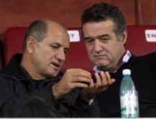 Becali: Arbitrii au ceva cu etnia lui Copos