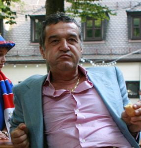 Becali il apara pe Penescu: Nu cred ca se va dovedi ca arbitri au luat spaga