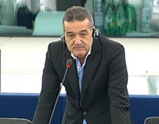 Becali il invoca pe Dumnezeu si cere in PE ridicarea vizelor pentru albanezi