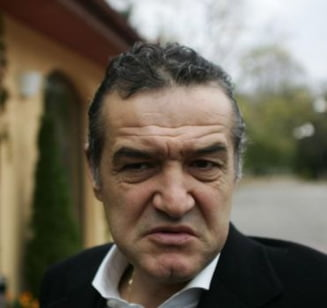 Becali reloaded: Patronul Stelei a dat de pamant cu fotbalistii lui Stoichita