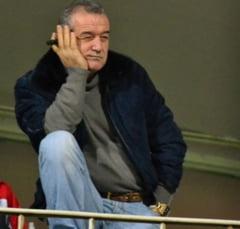 Becali vinde doi titulari: Iau 1.5 milioane de euro