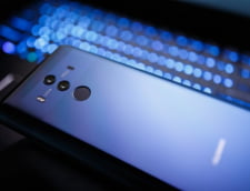 Beijingul acuza Washingtonul ca vrea sa elimine Huawei ''''prin orice mijloace'''', dupa o atentionare a SUA in Brazilia