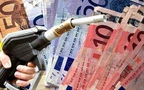 Benzina prea scumpa: Statul incaseaza cresterea de 30% din cursul valutar