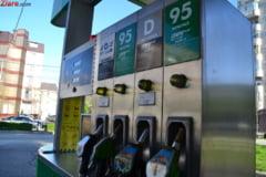 Benzina si motorina s-au ieftinit cu 32 de bani pe litru