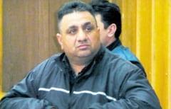 Bercea Mondial, sotia sa, un fost subprefect si un om de afaceri, arestati pentru evaziune