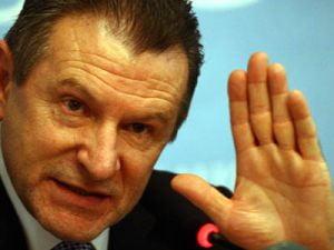 Berceanu vrea un nou aeroport pentru Bucuresti, langa Urziceni