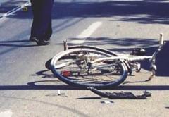 Biciclist accidentat grav pe DN1, in zona Avrig