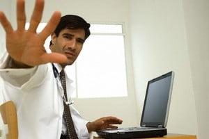 Big Brother la locul de munca: De ce vor sefii sa monitorizeze activitatea angajatilor pe Internet