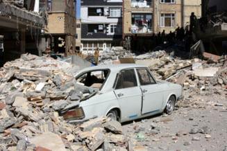 Bilantul victimelor cutremurului de la granita dintre Irak si Iran creste: Peste 400 de morti si 7.000 de raniti