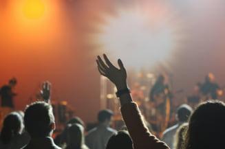 Biletele cumparate pentru spectacolele anulate pot fi refolosite, timp de un an, sau pot fi transformate in vouchere