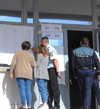 """Birourile electorale de circumscriptie """"bat in cuie"""" canditaturile pentru alegerile locale"""